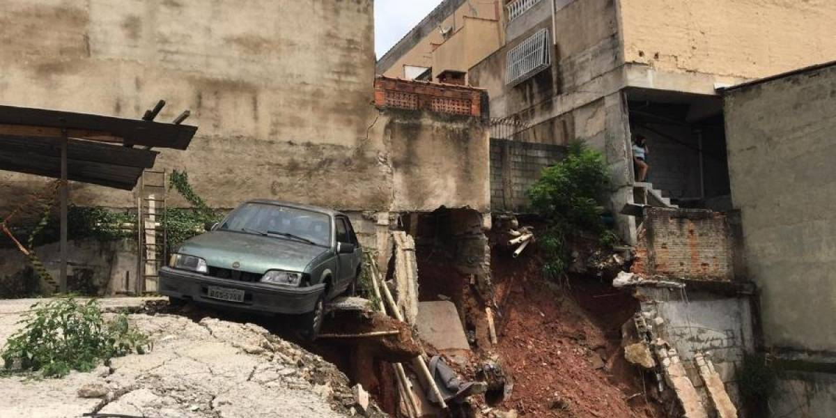 30 imóveis na zona leste são interditados após desabamento causado pela chuva
