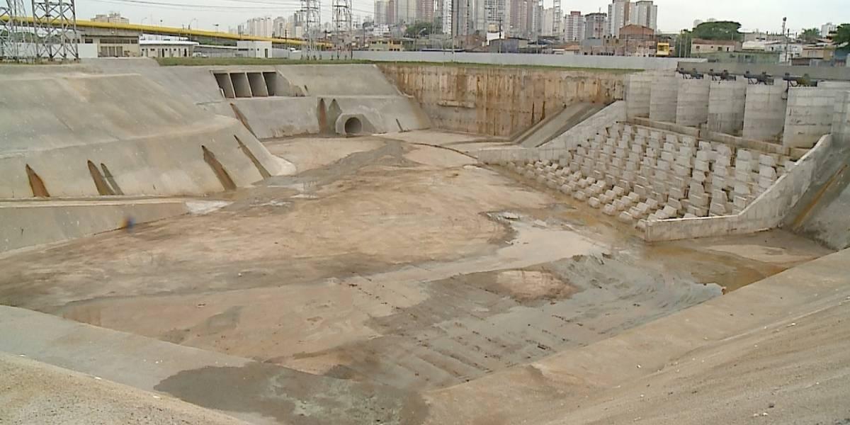 Prefeitura de SP não vai entregar sete piscinões prometidos para conter enchentes