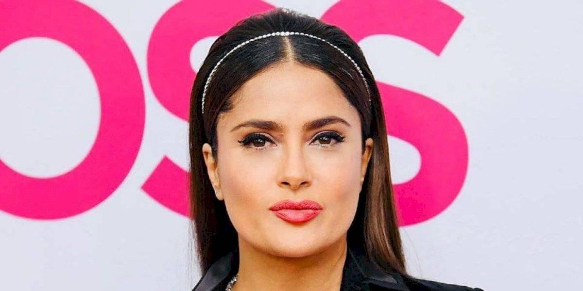 """""""Prefiero verme sexy que gorda"""" responde Salma Hayek a las críticas por su escotazo"""