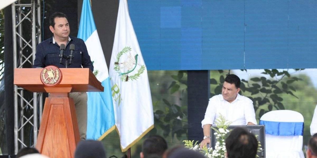 Morales envía mensaje a sus detractores durante inauguración de biobarda en Izabal