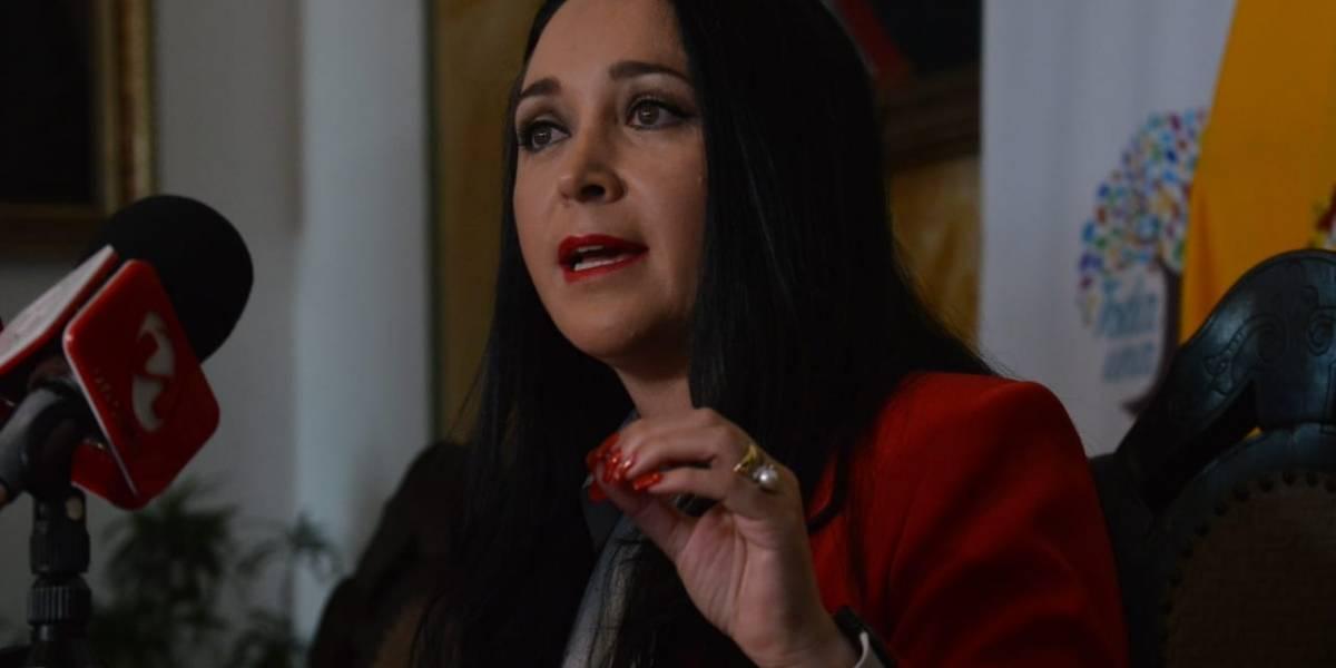 Secretaria Anticorrupción, Dora Ordóñez, denunció títulos falsos de médicos cirujanos