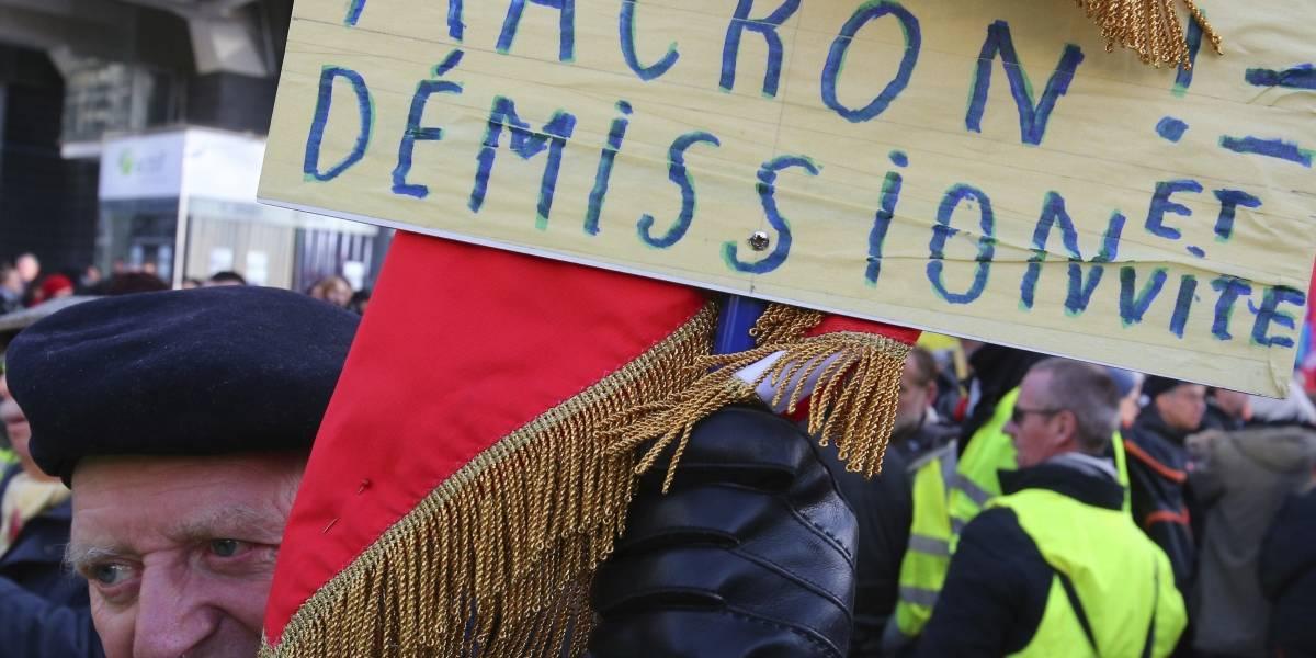 Primer ministro francés llama al diálogo a los sindicatos retirando la cuestionada propuesta de jubilación a los 64 años