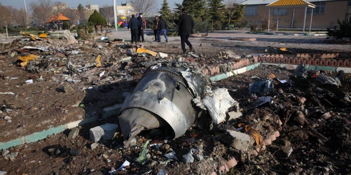 """General de los Guardianes de la Revolución iraníes asume """"responsabilidad"""" de tragedia del avión ucraniano"""
