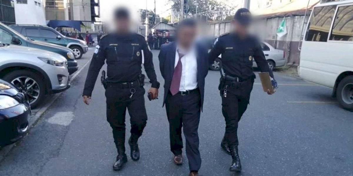 Destituyen a agente de seguridad del ministerio de Salud sindicado de extorsión