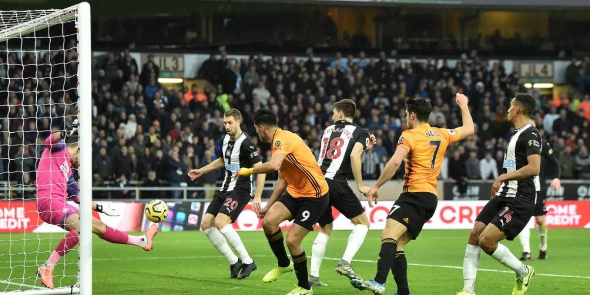 Raúl Jiménez y el Wolverhampton siguen sin ganar en 2020