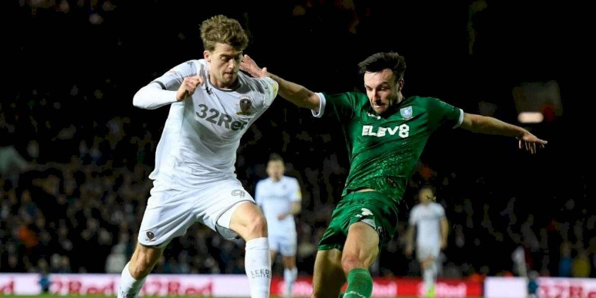 Leeds de Bielsa se durmió en los minutos finales y perdió ante el Sheffield Wednesday en el ascenso inglés