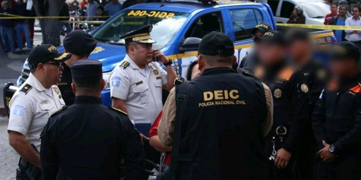 Agentes PNC que se enfrentaron a supuestos sicarios en zona 6 quedan en libertad