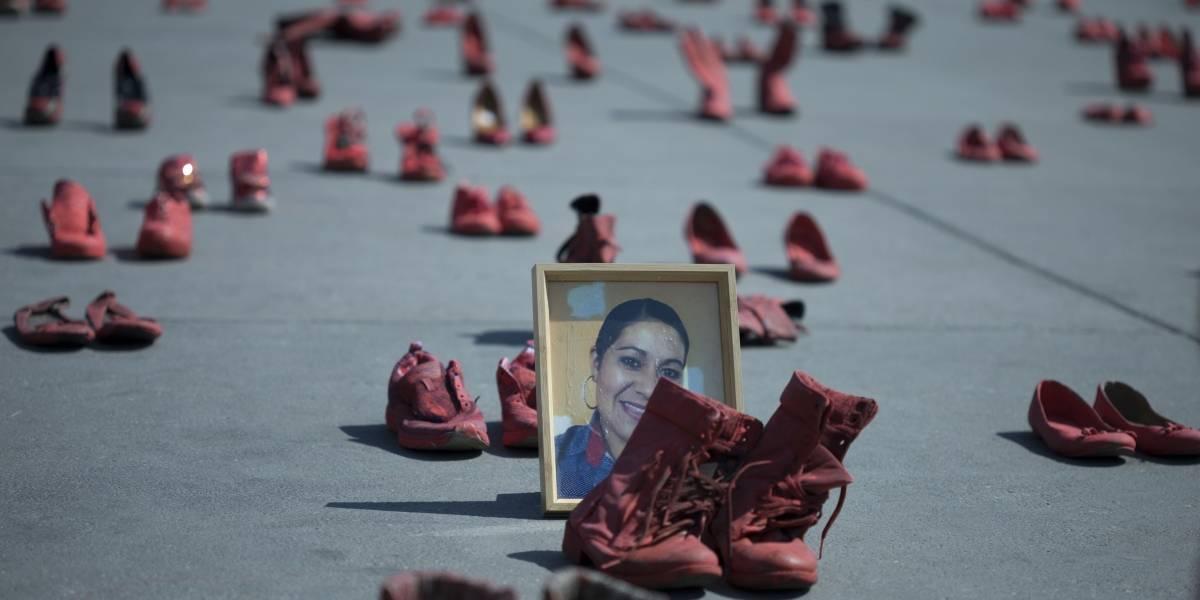 Activistas protestan contra feminicidios en México