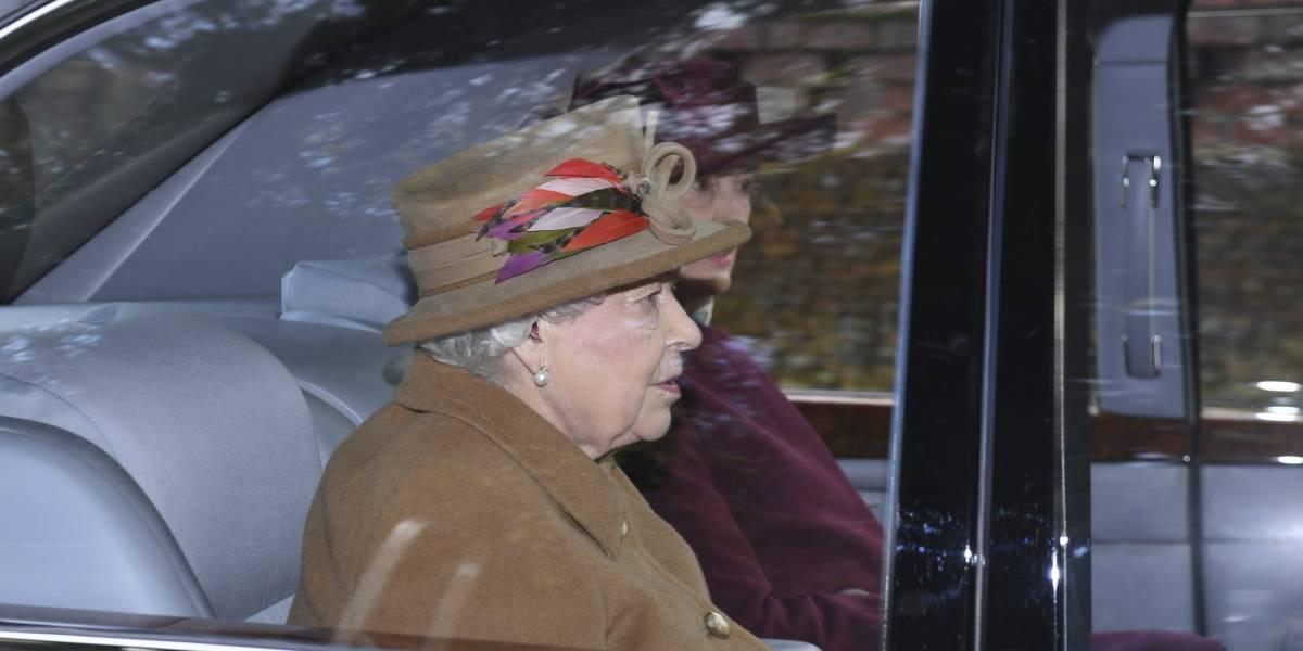La reina Isabel II se prepara para reunión sobre Harry y Meghan