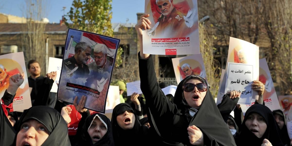 Iraníes protestan contra derribo de avión de pasajeros