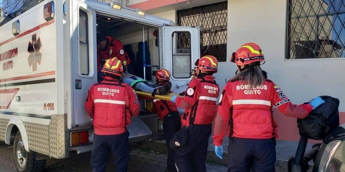 Un chica de 14 años cayó desde el segundo piso de su casa en el sur de Quito
