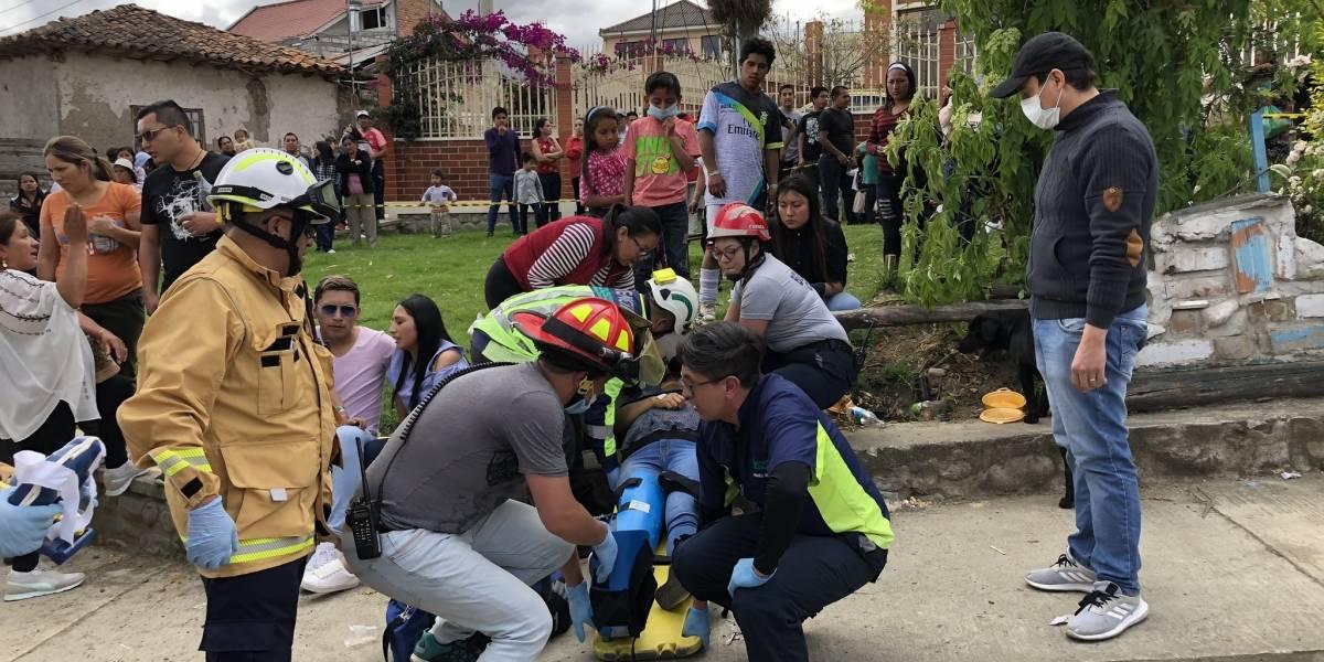 Cuenca: Vehículo perdió los frenos y dejó 15 personas heridas durante el Pase del Niño