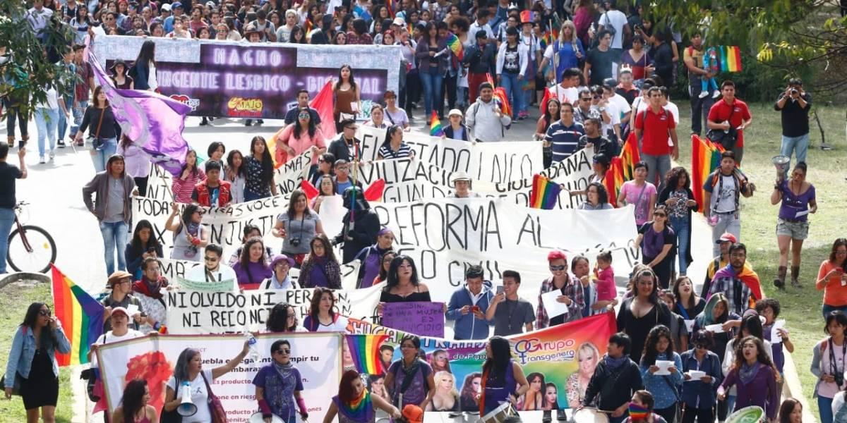 Matrimonios entre personas del mismo sexo causa polémica en Puebla