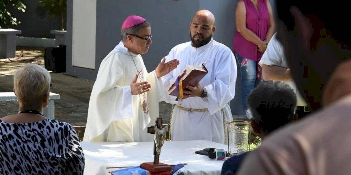 Monseñor celebra misa en comunidad afectada por terremotos