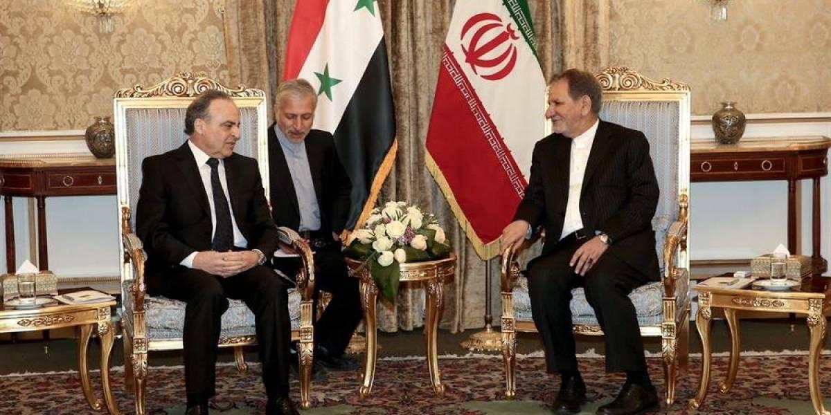 Irán llama ante Siria a la unidad para expulsar a EU de Oriente Medio