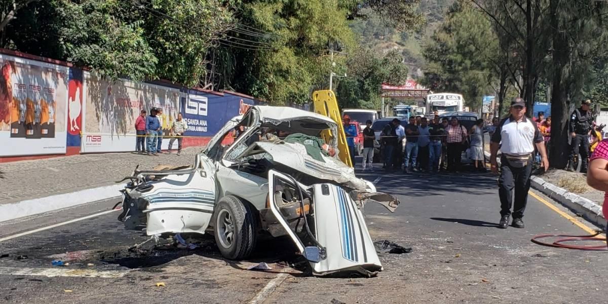 Tráiler se queda sin frenos y provoca fatal accidente en ruta al Pacífico