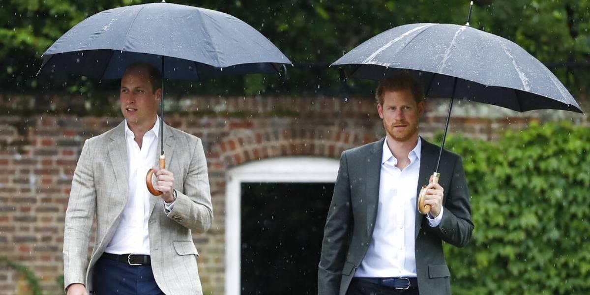 Harry llegó a la cumbre real ante la expectación de la prensa: comienza reunión clave tras crisis en la realeza británica