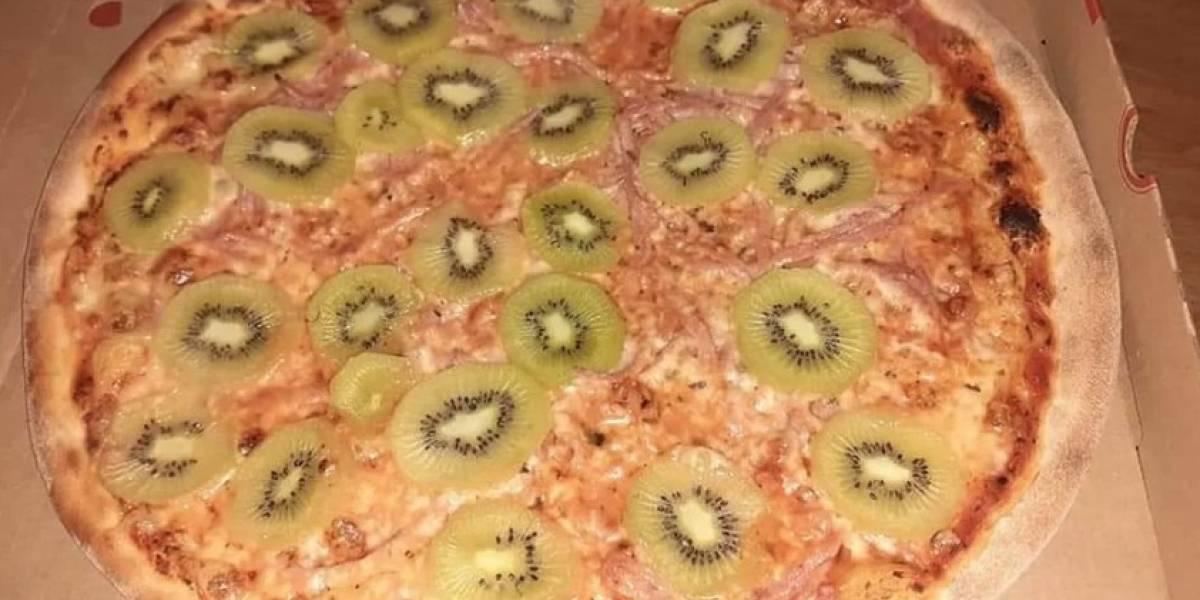 Olvídate de la piña: la pizza con kiwi que causa polémica y abre el debate en redes sociales