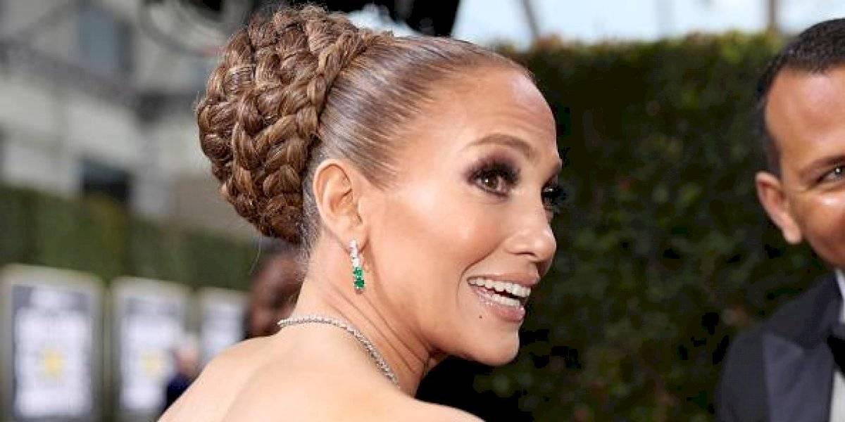 Jennifer Lopez difunde su número de celular para que la llamen