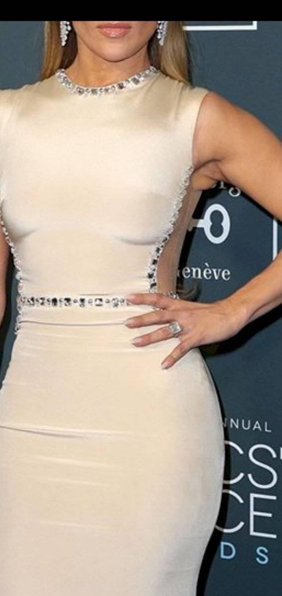 Jennifer Lopez muestra sus rollitos