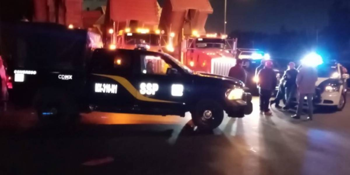 Transportistas bloquean autopista México-Pachuca