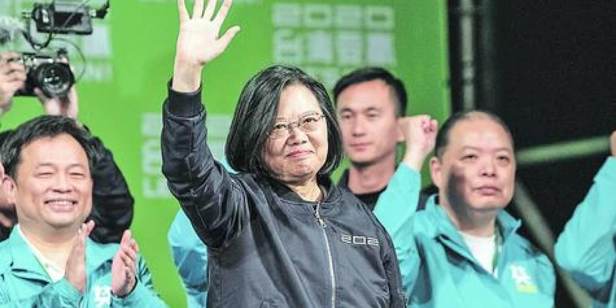 """Presidenta de Taiwán exige  que China vea a su país """"como un socio"""""""