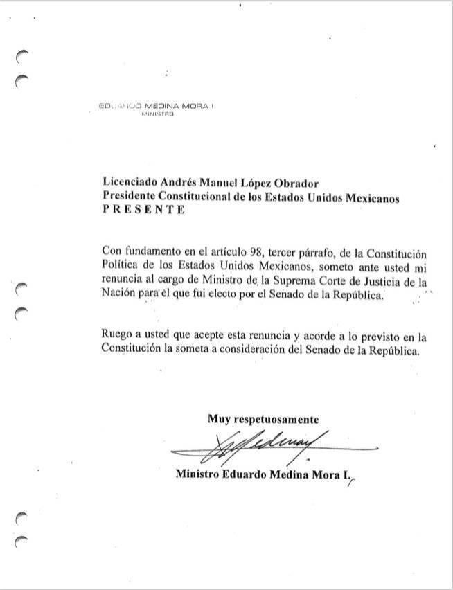 Renuncia Eduardo Medina Mora