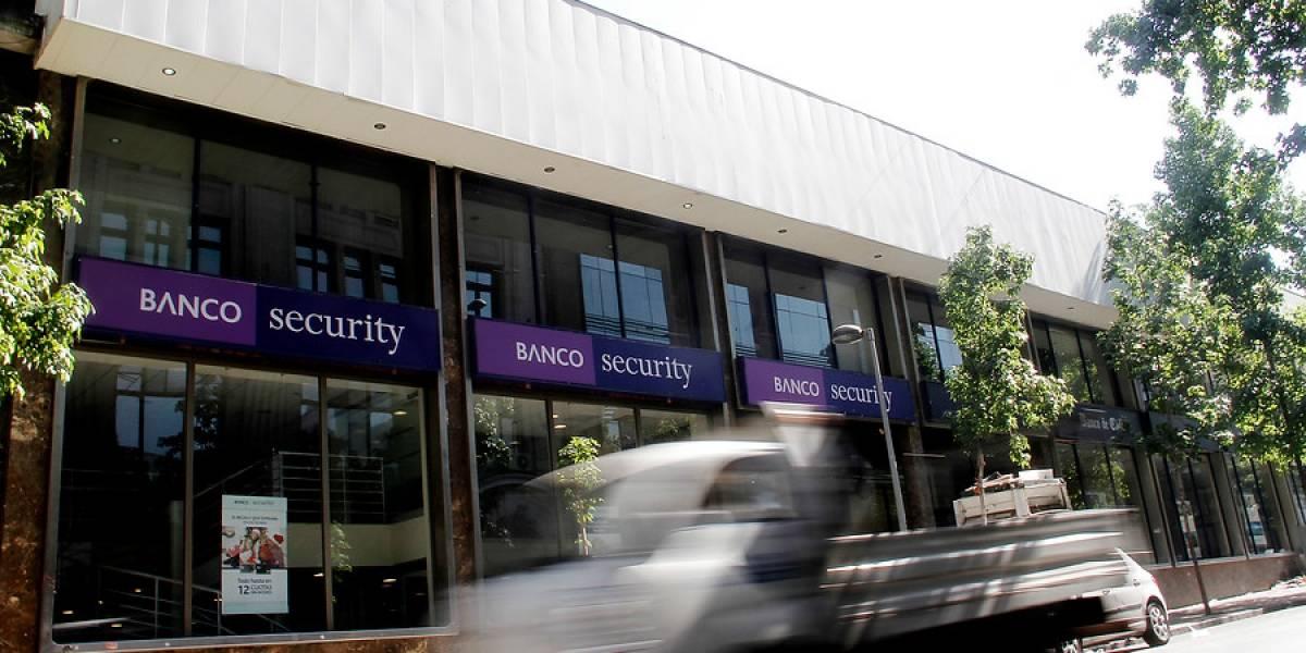 Fueron más de 17 mil clientes los afectados: Banco Security pagará compensaciones por cobros indebidos de su línea de sobregiro