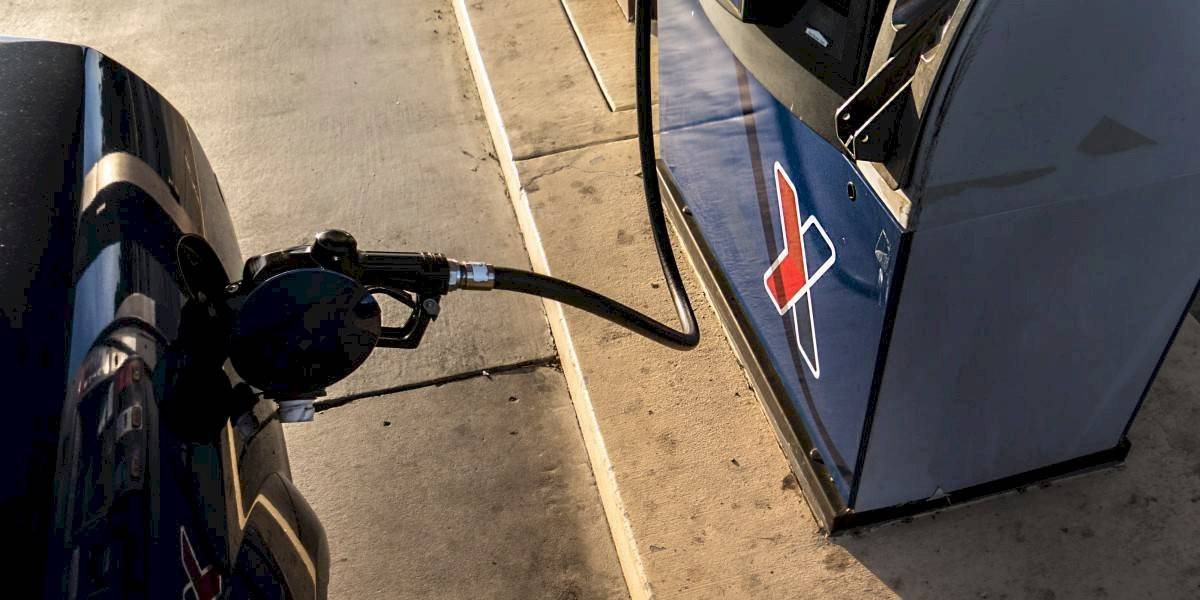 ¿Cómo se puede ahorrar bencina en días complejos?