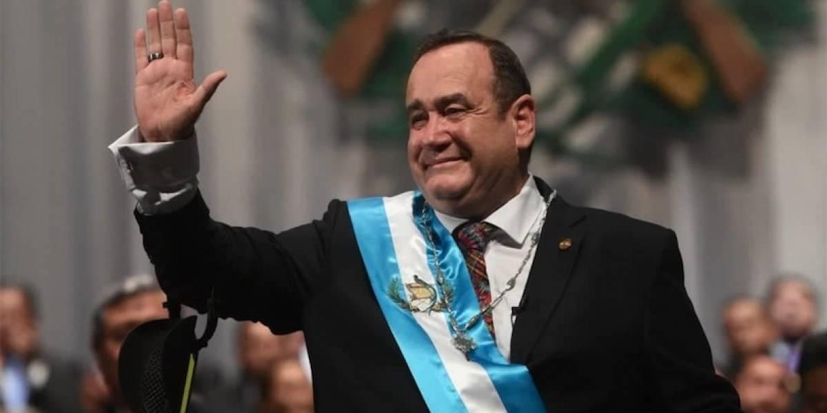 CRÓNICA: Alejandro Giammattei asume como nuevo presidente de Guatemala tras cuatro horas de retraso