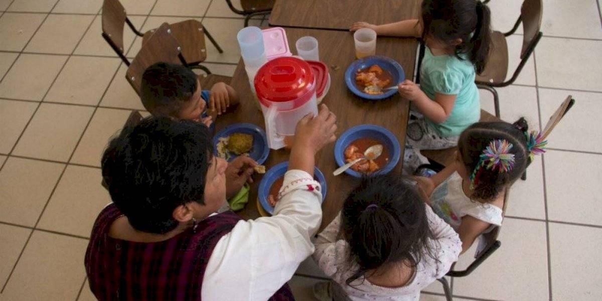 Al menos 30 niños se intoxican en guardería del IMSS