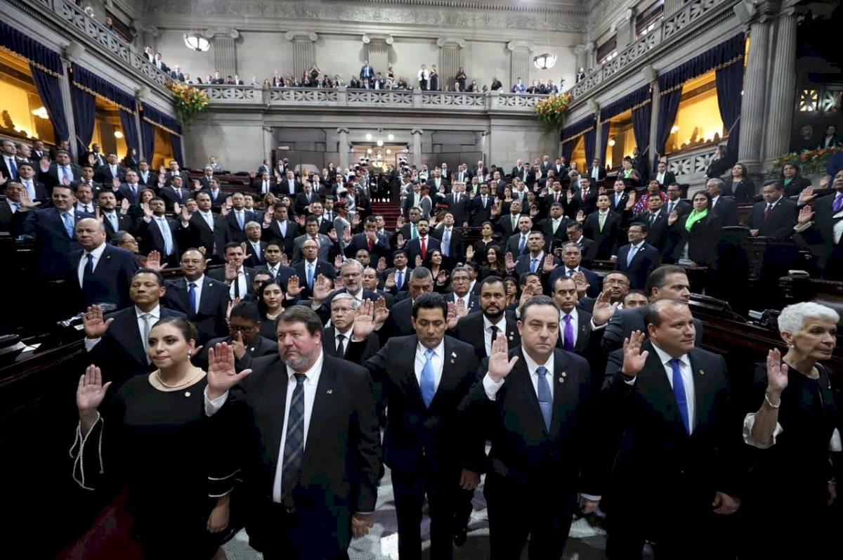 Los diputados de la novena legislatura asumieron