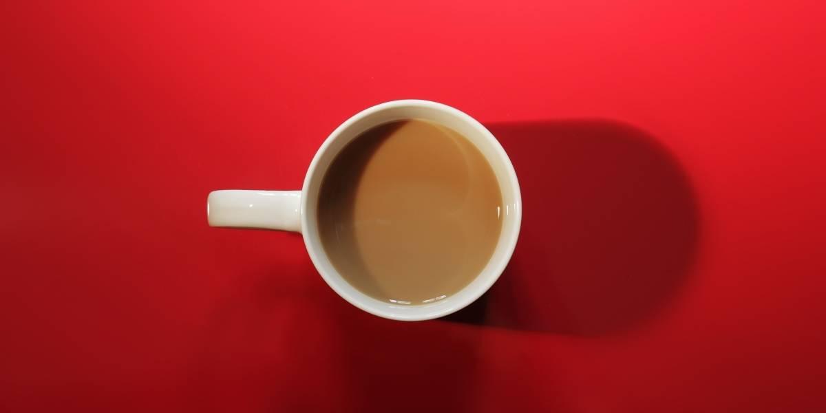 Os benefícios para a saúde de tomar chá com leite
