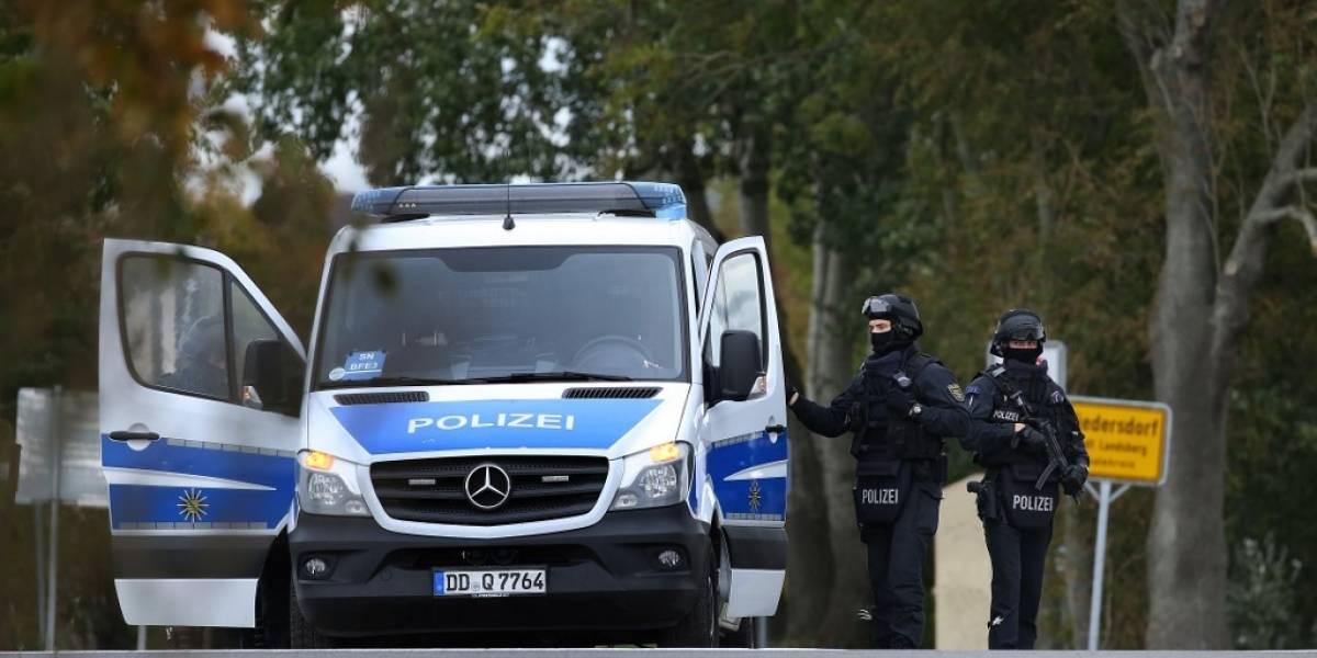 Policía de Alemania investiga a hombre que se disfrazó de Adolf Hitler