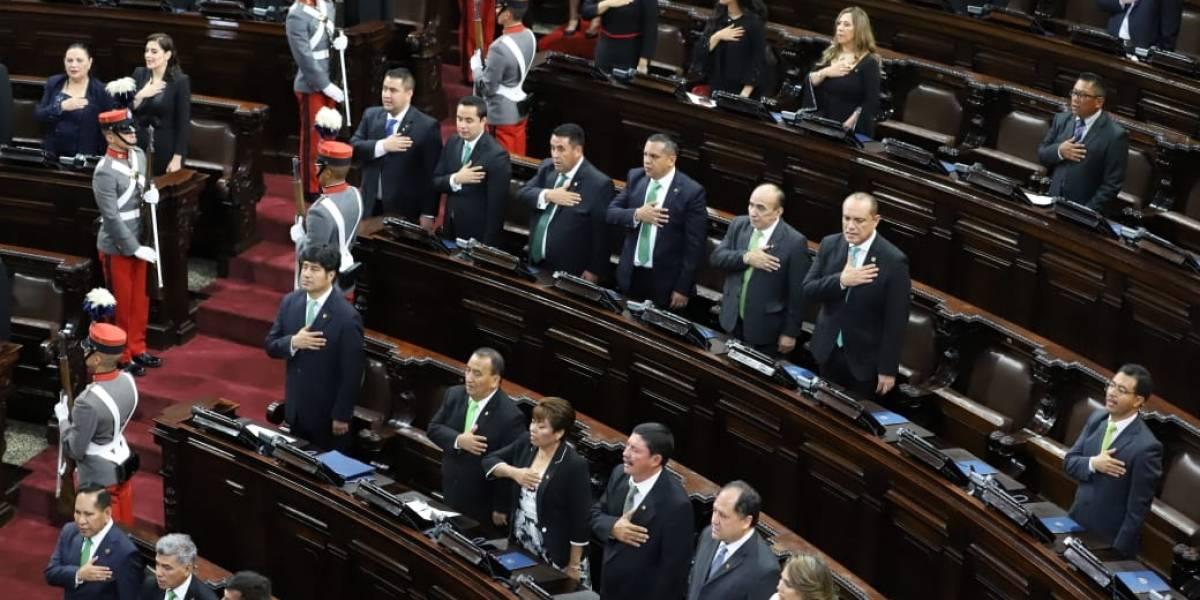 "Por ""traidores"", UNE expulsará a cinco diputados"