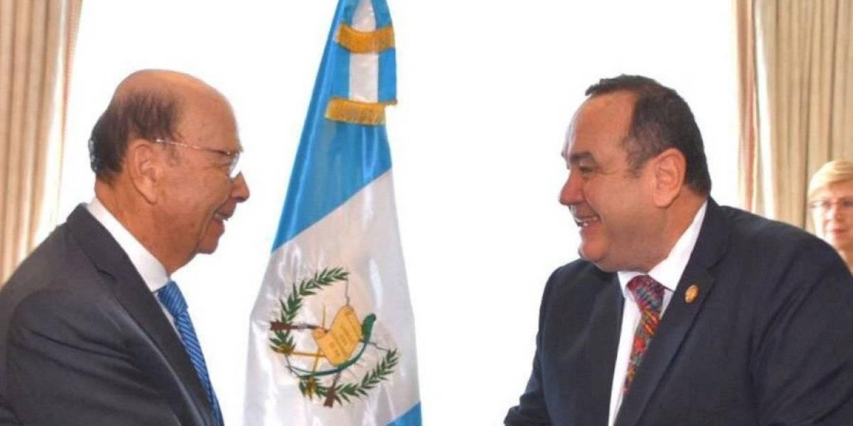 Alejandro Giammattei se reúne con el secretario de Comercio de EE. UU.