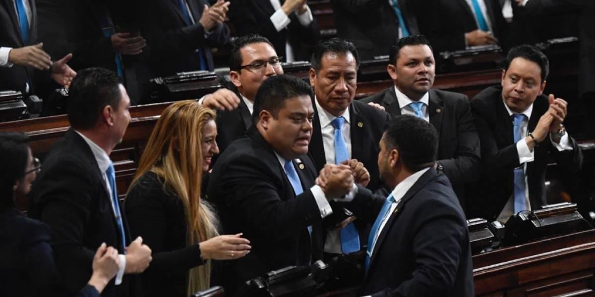 Presidente del Congreso, Allan Rodríguez, niega haber comprado el voto de diputados de la UNE