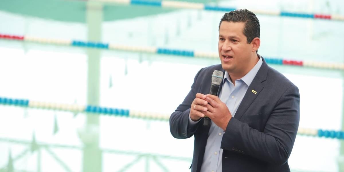"""Gobernador califica al INSABI como un """"engrudo"""""""