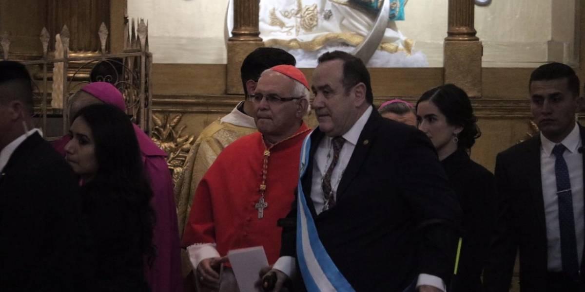 VIDEO. Presidente Giammattei asiste al Te Deum en la Catedral Metropolitina