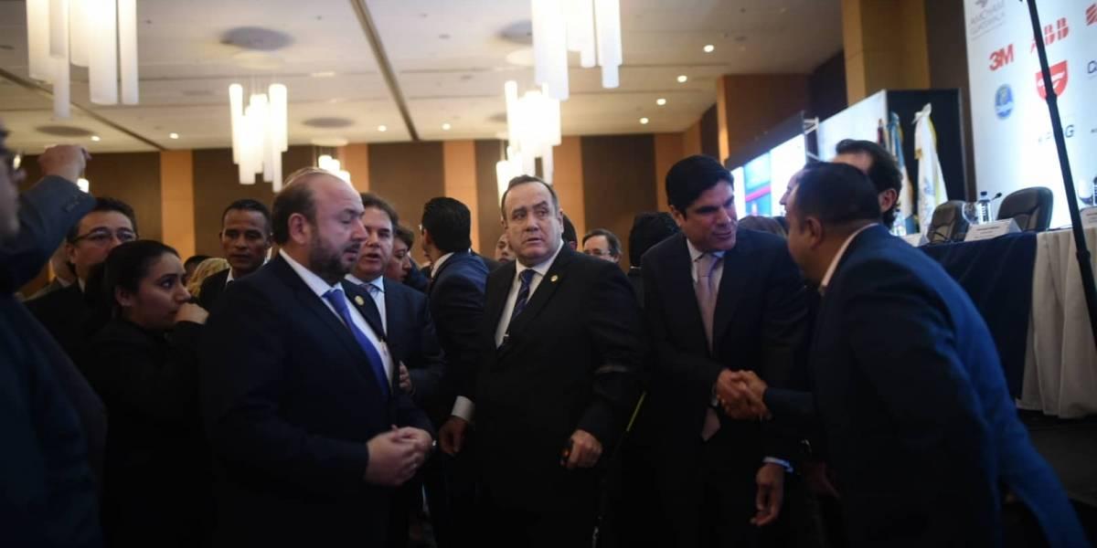 Presidente de Guatemala rompe