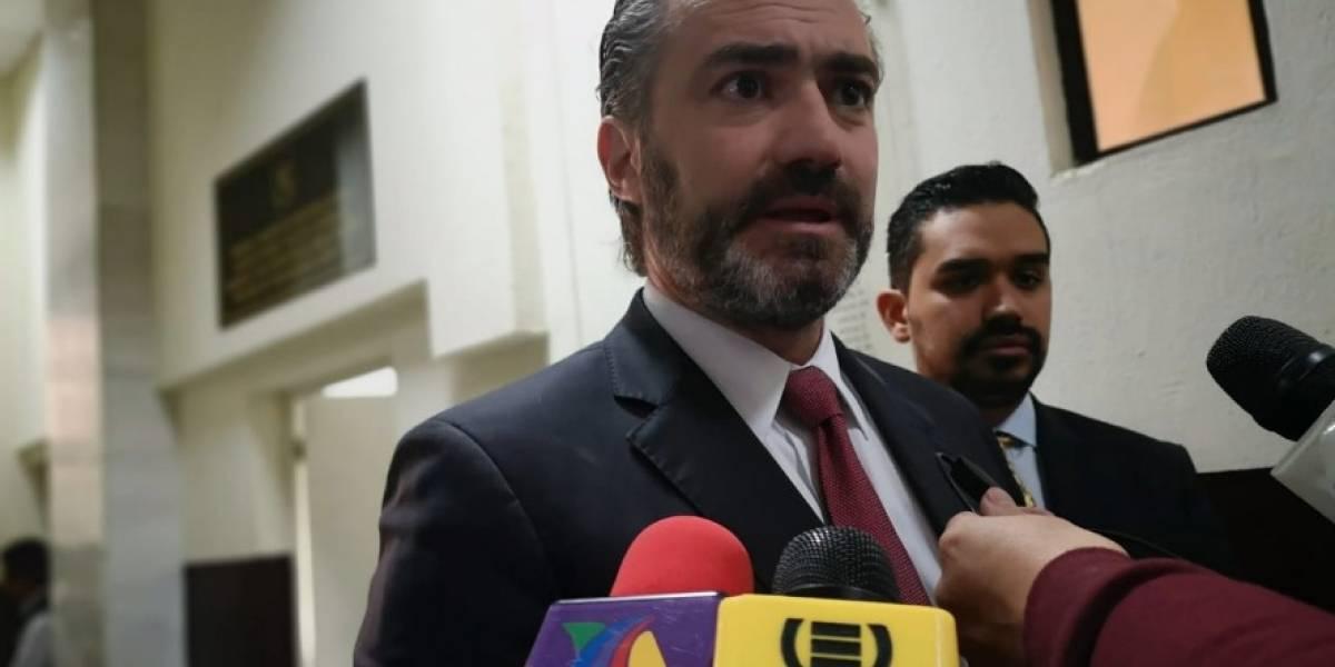 Exministro Acisclo Valladares se entrega a la justicia tras perder inmunidad