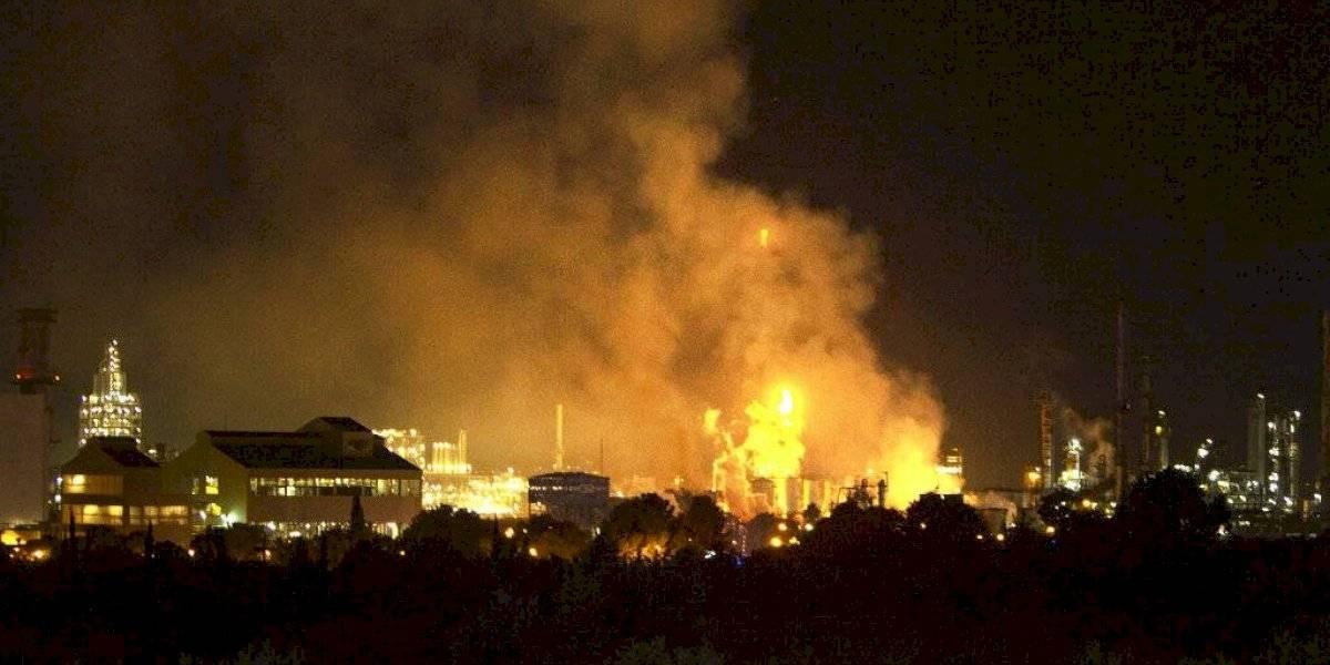 Explosión en planta petroquímica deja al menos dos muertos y ocho heridos en España