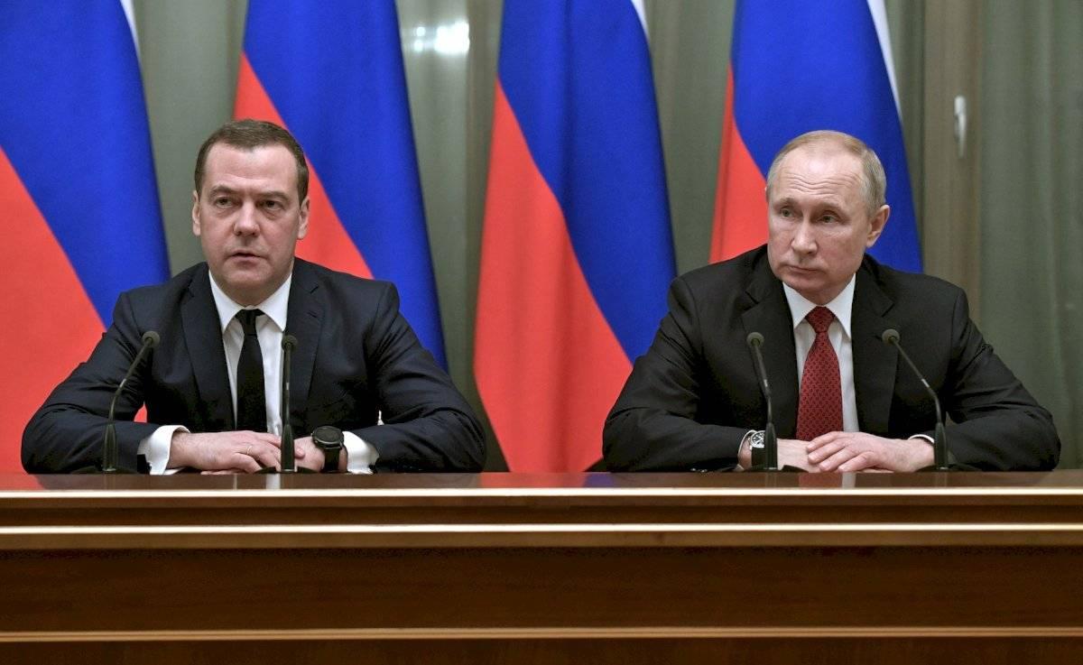 """Medvédev consideró """"correcto"""" que el actual Ejecutivo presente su renuncia teniendo en cuenta que los """"cambios fundamentales en la Constitución de la Federación Rusa"""""""