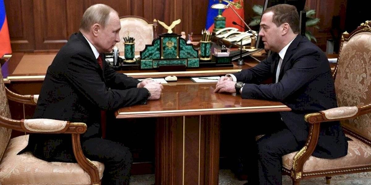 Renuncia el primer ministro de Rusia