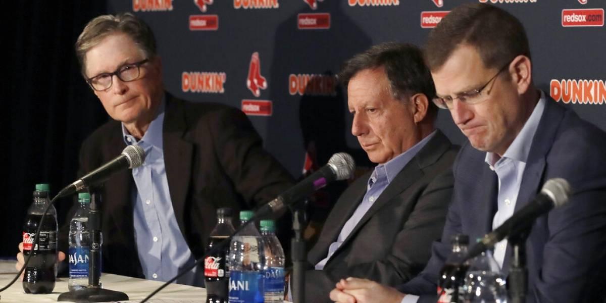 Red Sox buscan nuevo dirigente tras escándalo de Alex Cora