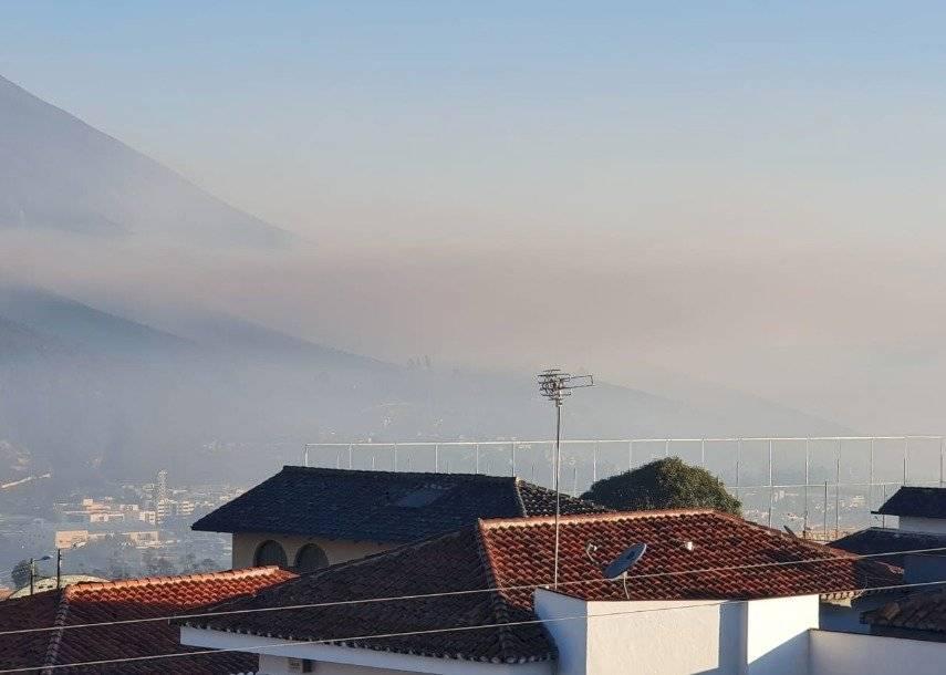Humo por Incendio en cerro Casitagua