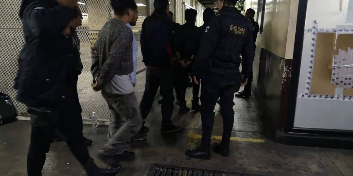 Juez libera a manifestantes y ordena investigar agresiones