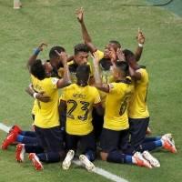 Ya están los árbitros para los cotejos de Ecuador ante Argentina y Uruguay por eliminatorias