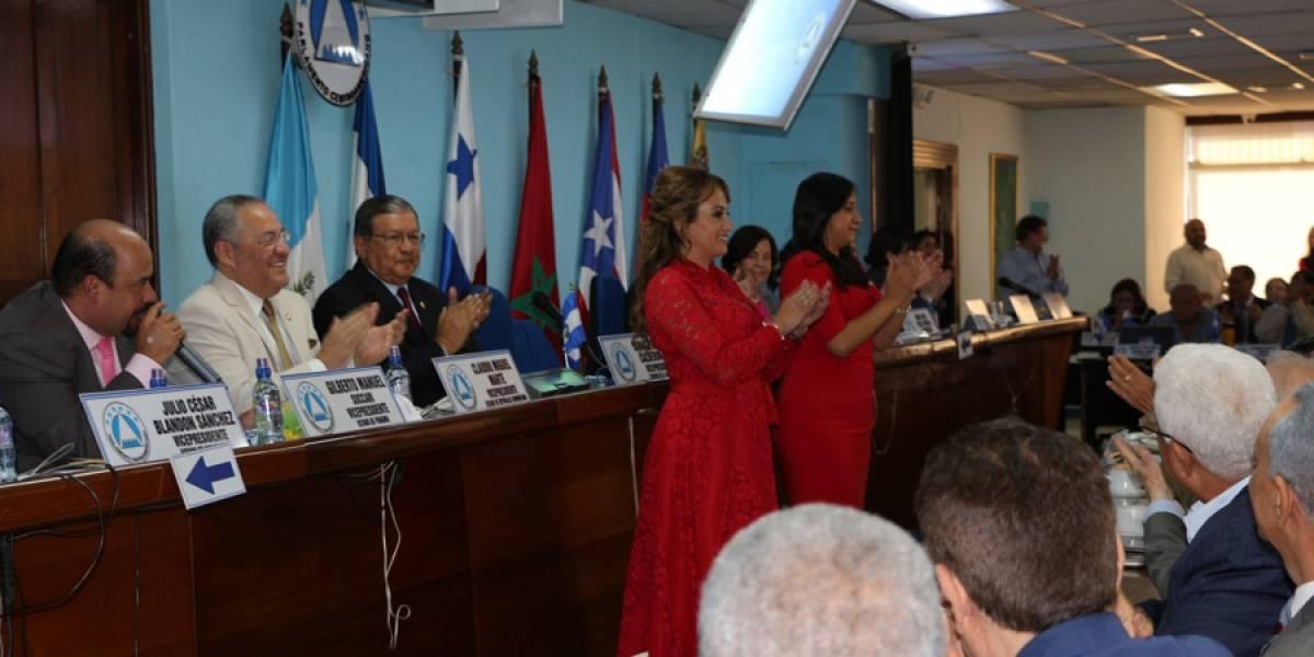 Hija de Sandra Torres gana la presidencia del Parlacen