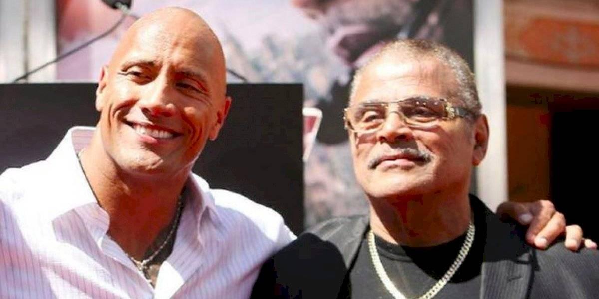 Muere leyenda de la lucha libre Rocky Johnson, padre de 'La Roca'